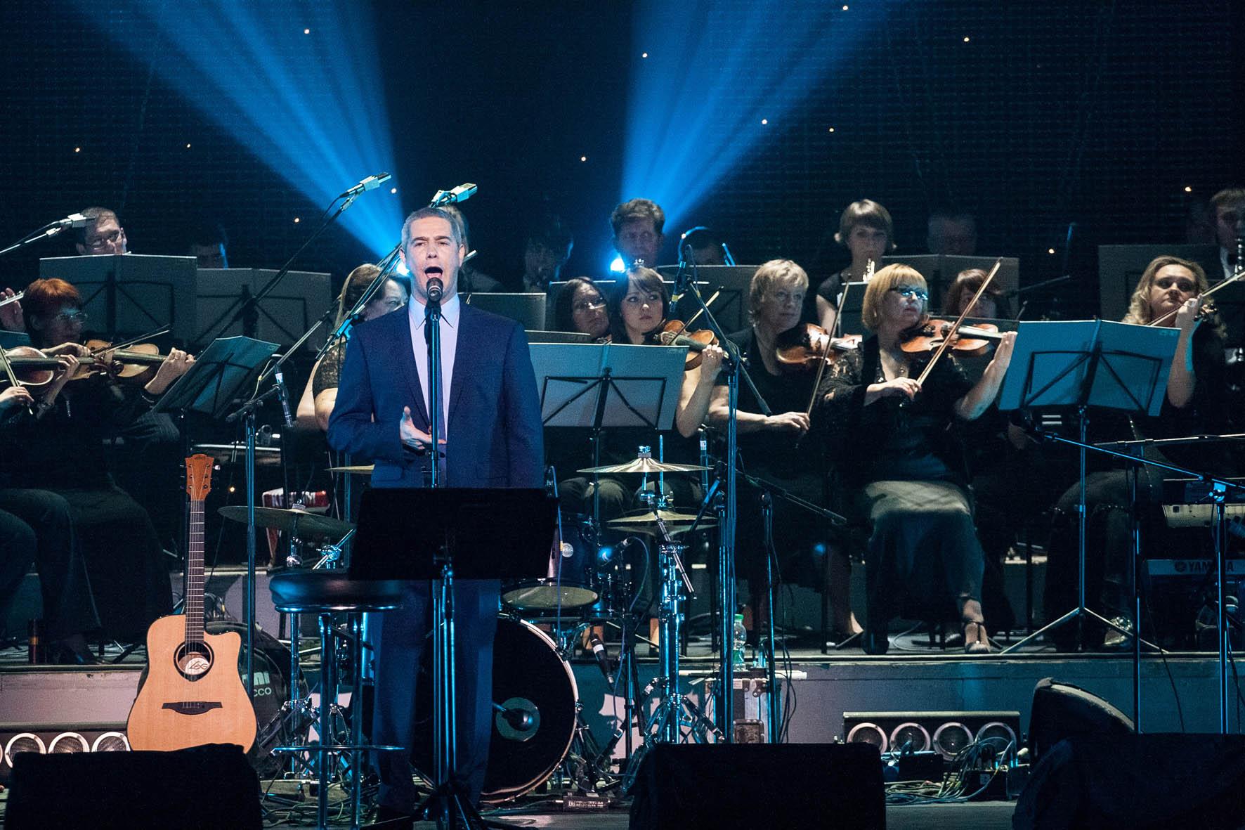 """Toto Cutugno and Alessandro Safína consert in National Palace of Arts """"Ukraina"""", Kiev."""